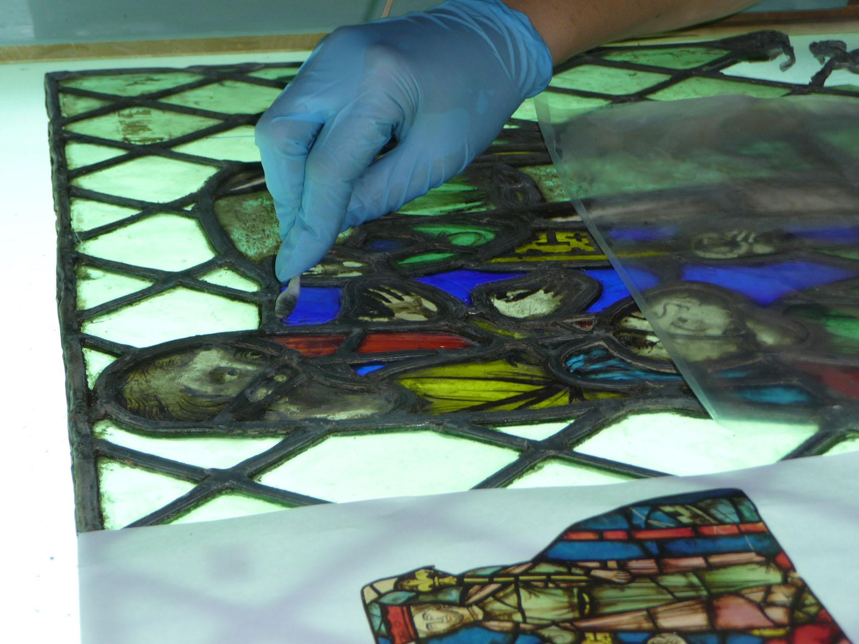 Restauration rénovation entretien vitrail vitraux Paris musées